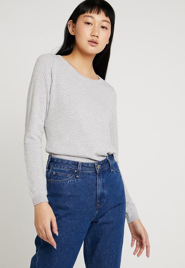 Vero Moda - Strickpullover - light grey melange