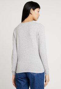 Vero Moda - Strickpullover - light grey melange - 2