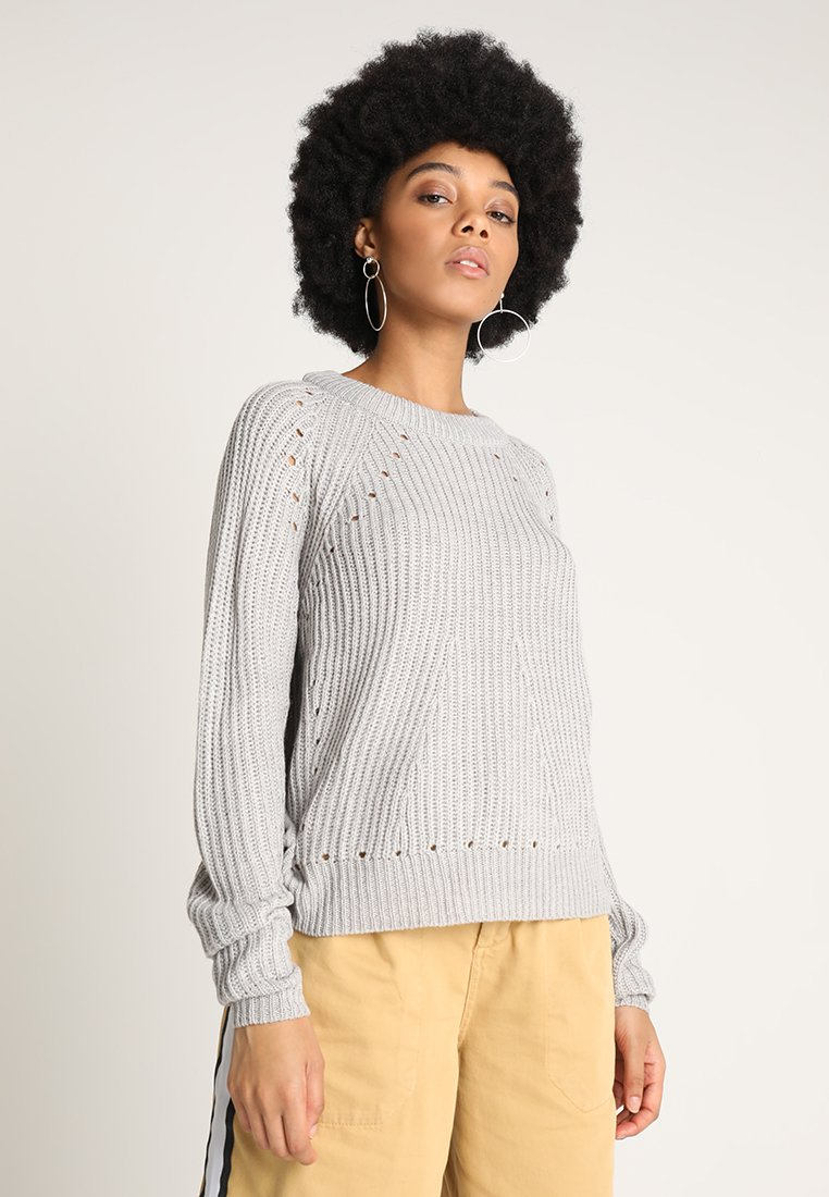 Vero Moda - VMJAY ECHO O NECK - Strickpullover - light grey melange