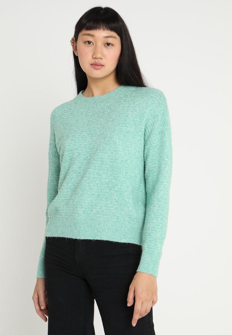 Vero Moda - VMDOFFY STRUCTURE - Jersey de punto - holly green/melange