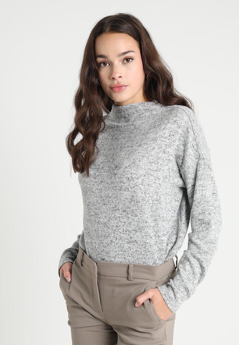 Vero Moda - VMMAI ROYANNA FUNNELNECK - Strickpullover - light grey melange