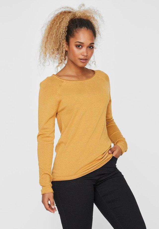 VMNELLIE GLORY  - Stickad tröja - amber gold
