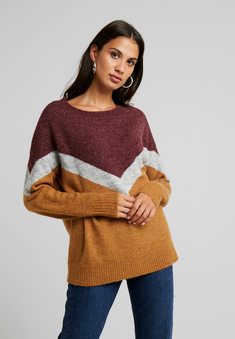 Vero Moda - VMLUNA  - Strickpullover - tobacco brown/port royale
