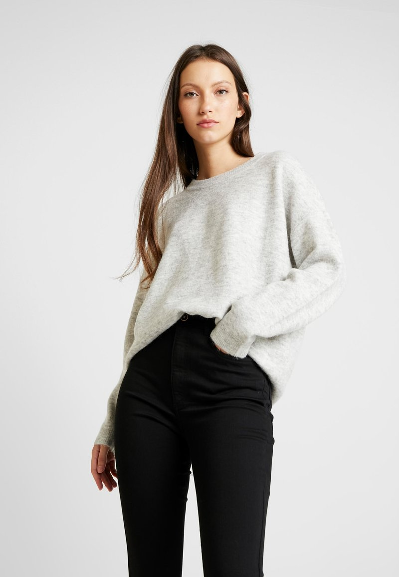 Vero Moda - VMBLAKELY IVA O-NECK - Strickpullover - light grey melange/snow melange