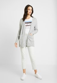 Vero Moda - VMLUCI OPEN CARDIGAN - Kofta - light grey melange - 1