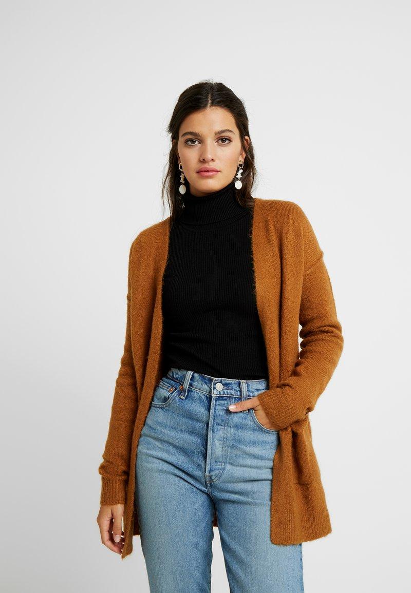 Vero Moda - VMLUCI OPEN CARDIGAN - Cardigan - tobacco brown
