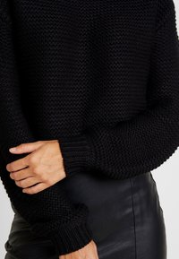 Vero Moda - VMNO NAME BOATNECK NO EDGE  - Strikkegenser - black - 4