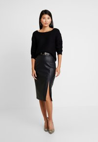 Vero Moda - VMNO NAME BOATNECK NO EDGE  - Strikkegenser - black - 1