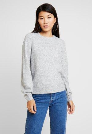 VMABBIA O-NECK SOLID - Stickad tröja - light grey melange