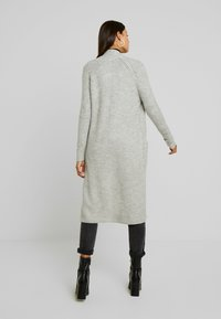 Vero Moda - VMCORA LONG OPEN CARDIGAN - Kardigan - light grey melange - 2