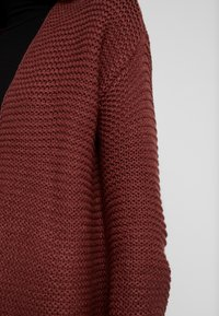 Vero Moda - VMNO NAME NO EDGE CARDIGAN - Kofta - madder brown - 5