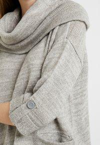 Vero Moda - VMFRANCIE COPENHAGEN COWLNECK - Stickad tröja - light grey - 5