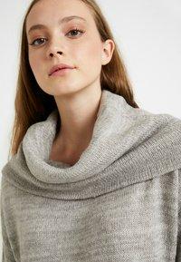 Vero Moda - VMFRANCIE COPENHAGEN COWLNECK - Stickad tröja - light grey - 3