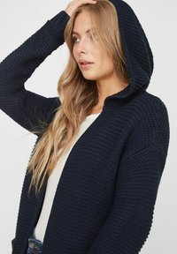 Vero Moda - VMNO NO EDGE - Cardigan - navy - 3