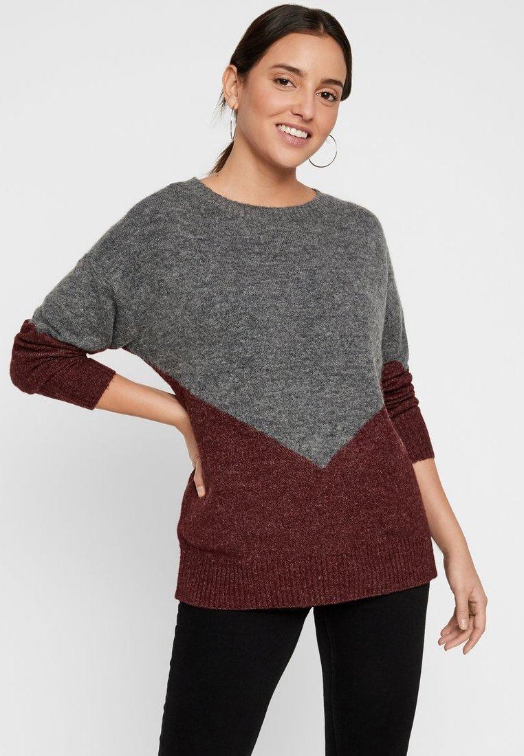Vero Moda - COLOURBLOCKING - Stickad tröja - medium grey melange