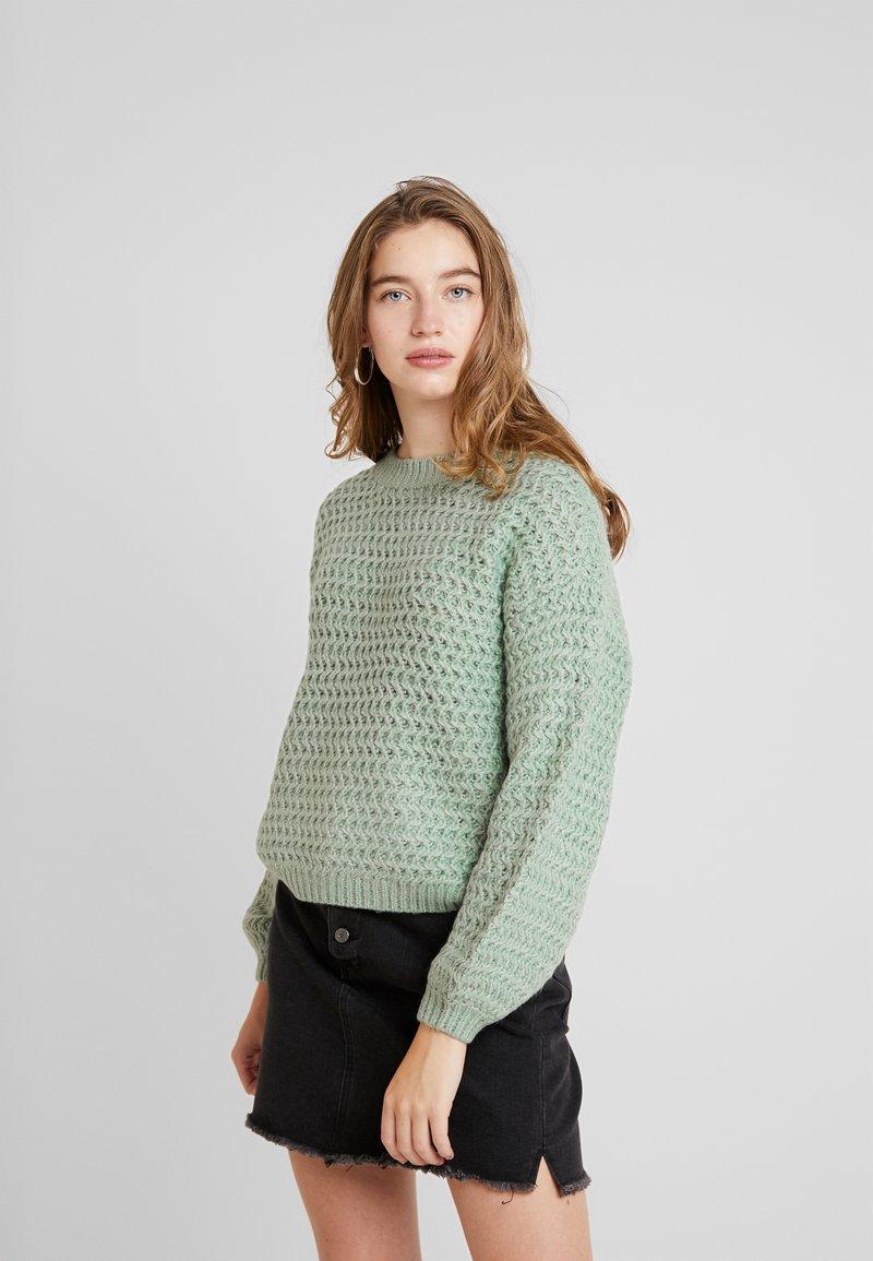 Vero Moda - BOO - Strickpullover - jadeite/white melange