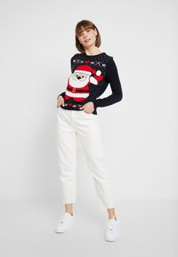 Vero Moda - SANTA - Strickpullover - night sky/chinese red/snow white - 1