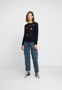 Vero Moda - VMCHRISTMASPATCH - Jumper - night sky - 1