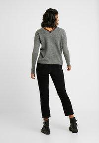 Vero Moda - VMRANA - Jersey de punto - medium grey - 2