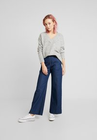 Vero Moda - VMKIZZI  - Trui - light grey melange - 1