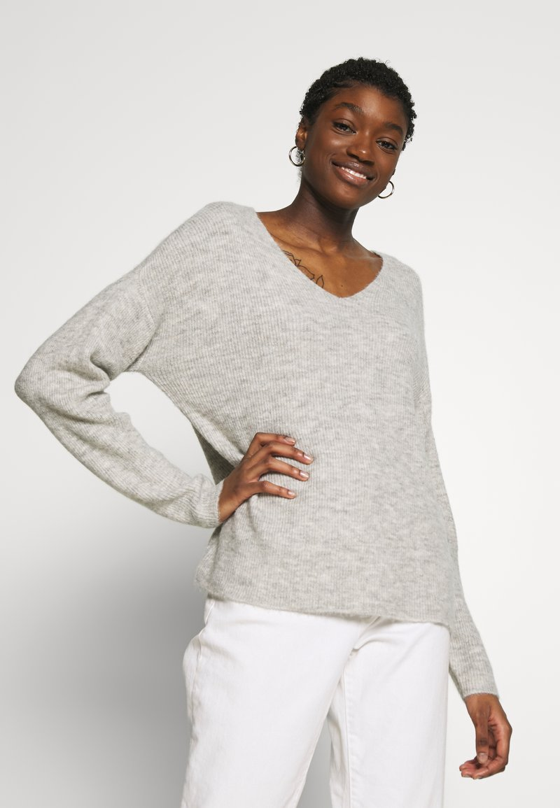 Vero Moda - CREW V-NECK - Pullover - light grey melange
