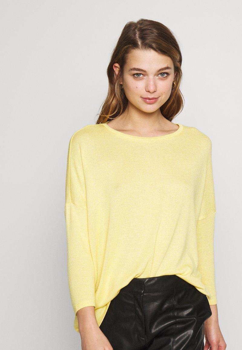 Vero Moda - VMBRIANNA  - Jersey de punto - banana cream melange