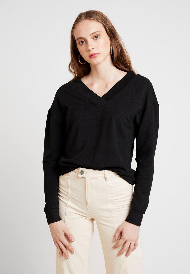 Vero Moda - VMCESINA V NECK  - Sweatshirt - black
