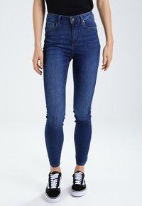 Vero Moda - VMSOPHIA  - Jeansy Skinny Fit - medium blue - 0