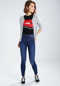 Vero Moda - VMSOPHIA  - Jeansy Skinny Fit - medium blue - 1