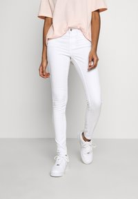 Vero Moda - VMSEVEN SHAPE UP  - Stoffhose - bright white - 0