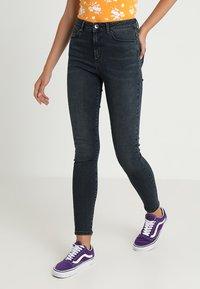 Vero Moda - VMSOPHIA - Jeans Skinny Fit - dark blue denim/black - 0