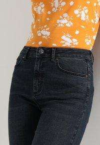 Vero Moda - VMSOPHIA - Jeans Skinny Fit - dark blue denim/black - 3