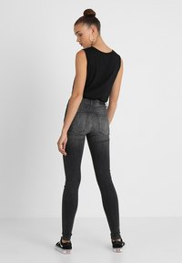 Vero Moda - VMSOPHIA  - Jeans Skinny Fit - dark grey denim - 3