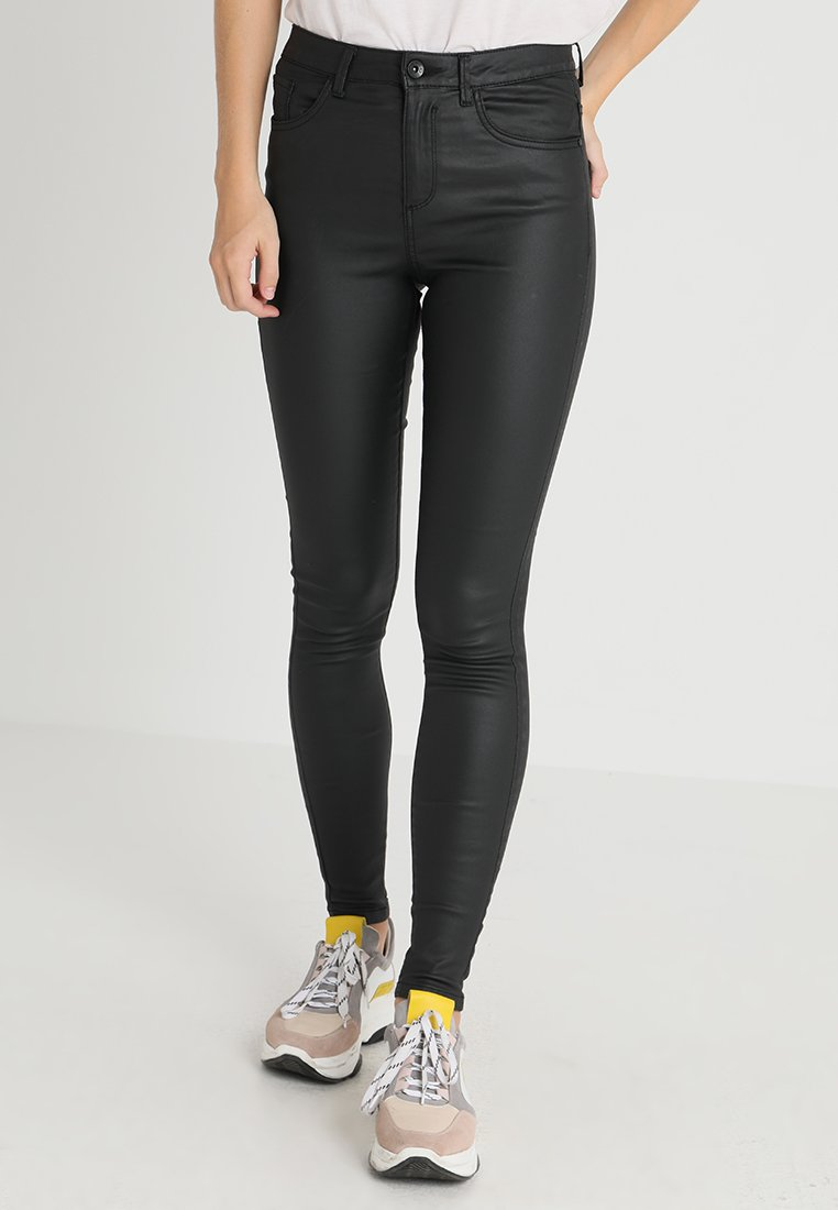 Vero Moda - VMSOPHIA COATED PANTS - Pantalones - black