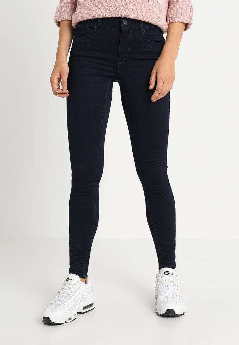 Vero Moda - VMSEVEN SHAPE UP - Jeans Skinny Fit - dark blue denim