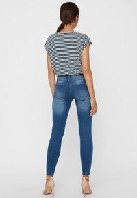 Vero Moda - Jeans Skinny Fit - medium blue - 2