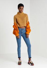 Vero Moda - VMJULIA FLEX IT  - Jeans Skinny Fit - medium blue denim - 1