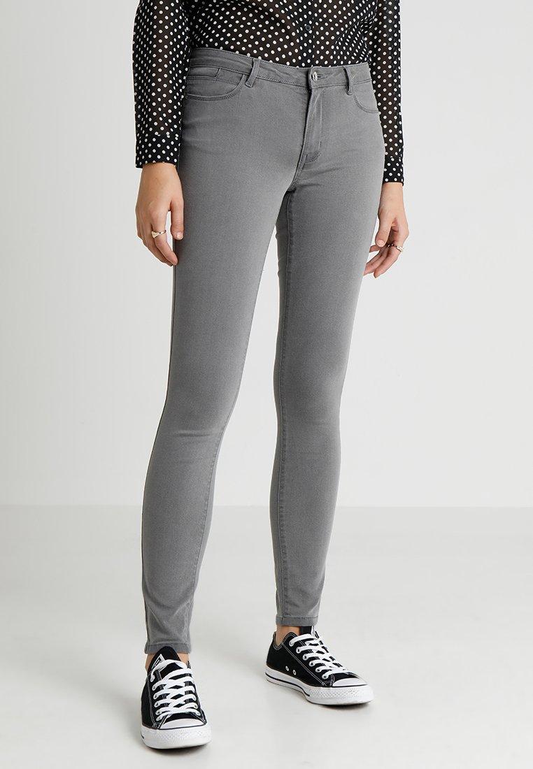 Vero Moda - VMJULIA FLEX IT - Skinny džíny - light grey denim