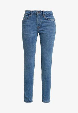 VMSEVEN SHAPE - Skinny džíny - medium blue denim