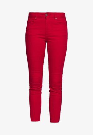 VMHOT SEVEN ZIP PANTS - Jeans Skinny Fit - goji berry
