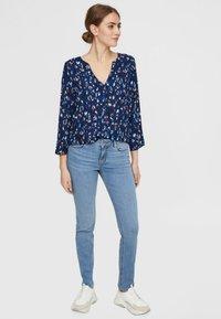 Vero Moda - Slim fit jeans - light blue denim - 1