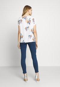 Vero Moda - VMJOY MIX - Skinny džíny - medium blue denim - 2