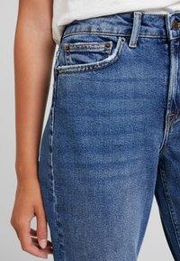 Vero Moda - VMSARA - Jeans relaxed fit - medium blue denim - 4