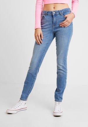 VMSEVEN SUPER - Slim fit jeans - light blue denim