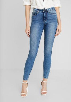 VMTERESA - Jeansy Skinny Fit - medium blue denim