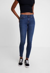 Vero Moda - VMSEVEN SHAPE UP - Jeans Skinny Fit - dark blue denim - 0