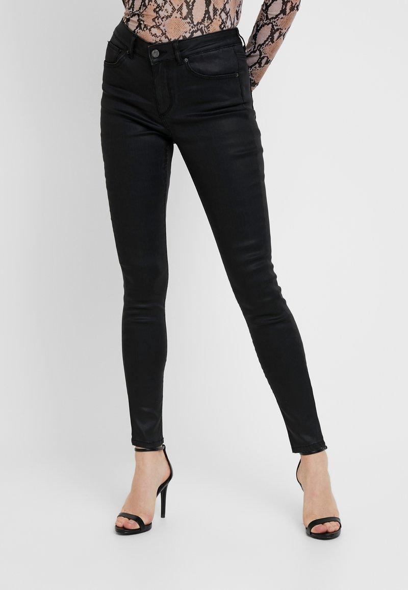 Vero Moda - SUPER - Stoffhose - black