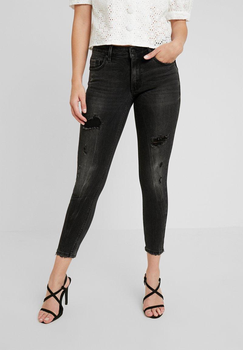 Vero Moda - VMLYDIA - Jeans Skinny Fit - black
