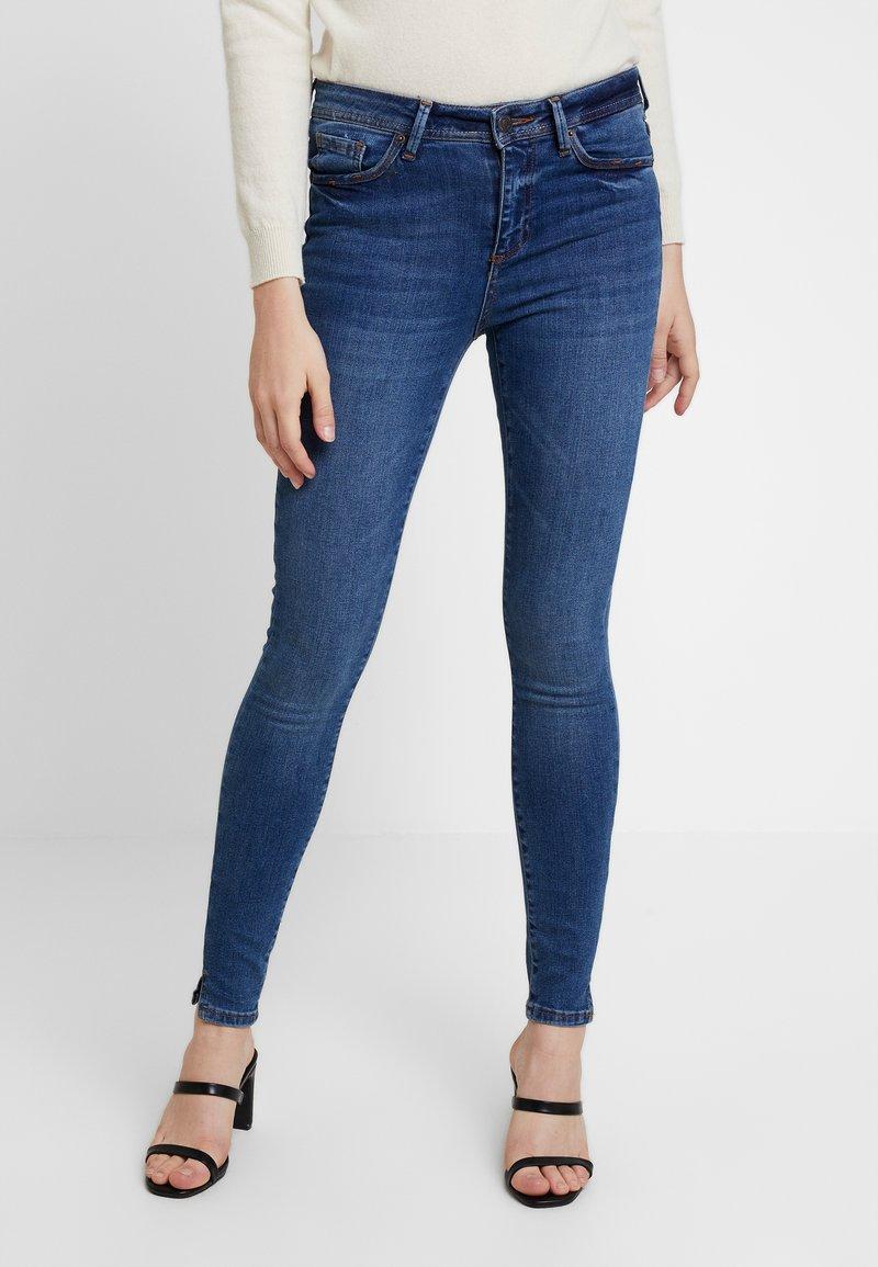 Vero Moda - VMTERESA - Jeans Skinny Fit - dark blue denim