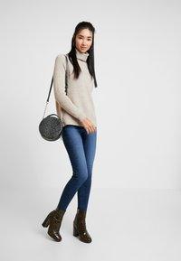 Vero Moda - VMSOPHIA - Skinny džíny - dark blue denim - 1